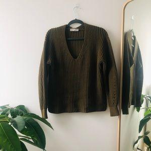 Everlane Chunky Knit V-Neck Sweater